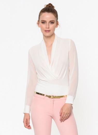 İroni Kruvaze Yaka Şifon Bluz Beyaz